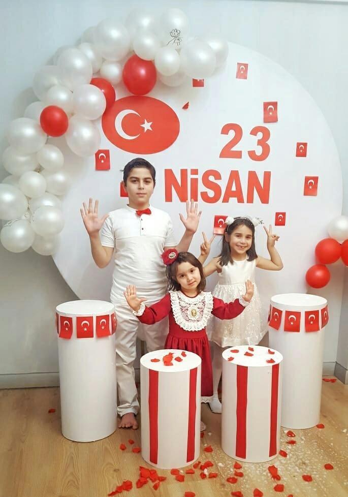 Ahmet, Zümra, Elif